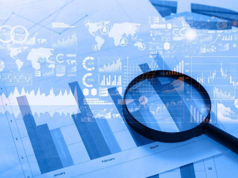 Lupe, Statistiken, Datenanalyse, Statistische Analyse, Datenauswertung, Graphiken, Grafiken, Diagramme, Big Data im Projektprozess