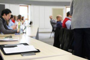 Tagungsraum, Konferenzraum, Seminarraum, Teilnehmende, TCI-Tagung, TCI GmbH, Outsourcing IT, internationale Auslagerung, IT-Dienstleistungen, Don't outsource thinking