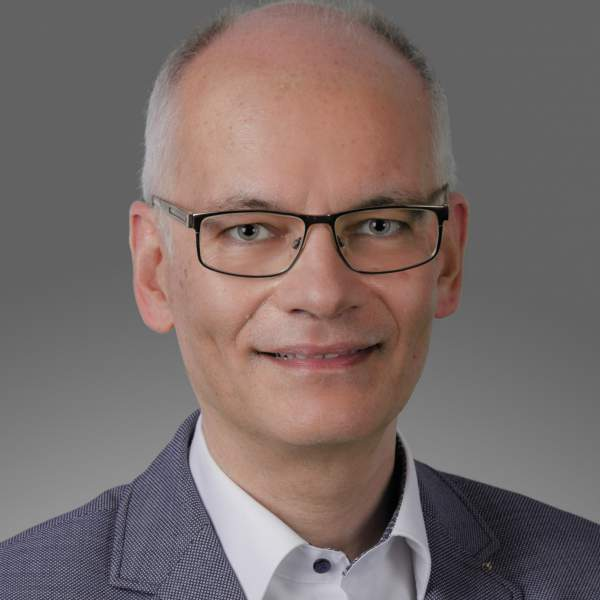 Uwe Fischer, TCI Gmbh, Transformation COnsulting INternational GmbH, t2a, trend to ability, Vom Trend zur Fähigkeit, Projektmanagement, Prozessentwicklung, Organisationsentwicklung, Transformationsprozesse, Beratung, Coaching, Interimsmanagement