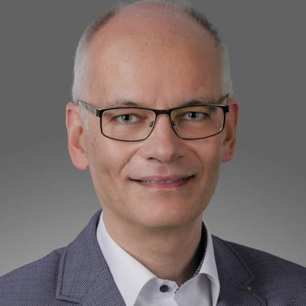 Uwe Fischer, TCI Gmbh, Transformation COnsulting INternational GmbH, t2a, trend to ability, Vom Trend zur Fähigkeit, Projektmanagement, Prozessentwicklung, Organisationsentwicklung, Transformationsprozesse, Beratung, Coaching, Interimsmanagement