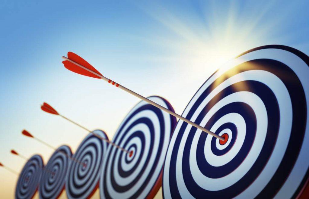 Zielscheiben, Bogenschießen, Pfeile, Treffer, mitten ins Schwarze, Volltreffer, Design Thinking im Vertriebsprozess