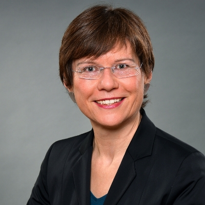 Elisabeth Wagner, TCI GmbH, Transformation Consulting International GmbH, TCI Partnerin, Projektmanagement, Change Management, Projektmarketing, IT-Marketing, IT-Kommunikation, Profilbild, Autorinnenbild