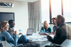Team Meeting, Business meeting, Motivierte Mitarbeiter, begeisterte Mitarbeiterinnen, Projektmanagement verbessern, Wirksamkeit von Projekten erhöhen, Tipps für ganzheitliches Veränderungsmanagement, professionelles Veränderungsmanagement im Projekt
