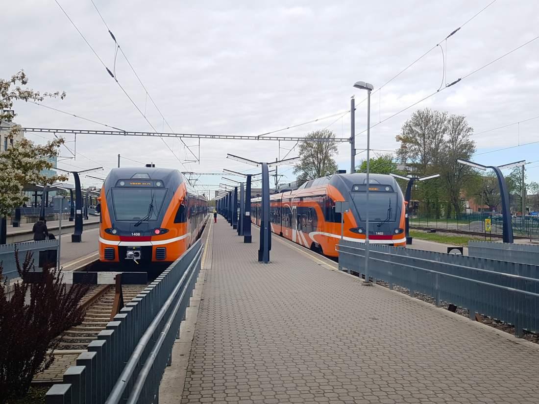 Moderne Triebwagenzüge Estland, Zugverbindung Tallinn – Tartu, E-Estonia, moderner Personenverkehr, Zugreisen, Wirtschaftlicher Aufschwung, Digitaler Wandel, digitaler Staat, Latitude59