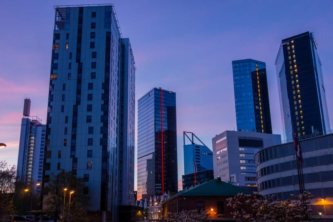 Skyline von Tallinn, Estland, Estonia, E-Estonia, Hochhäuser, Abendhimmel, urbane Landschaft, Digitalisierung, Wirtschaftlicher Aufschwung, Digitaler Wandel